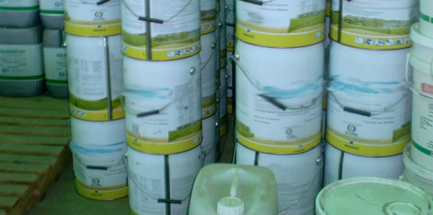 envases de agroquimicos dos
