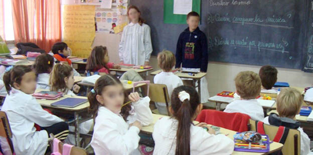 1274146669-Alumnos-de-Escuela-de-Luján-copia