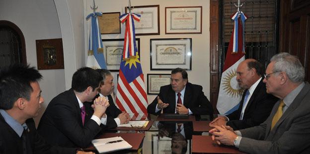 Reunión con embajador de Malasia