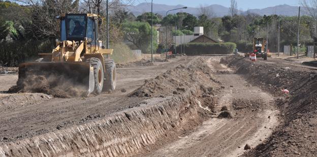 Canal de desagüe en calle Teruel, Villa Allende