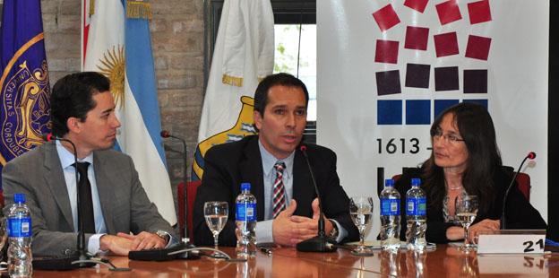 Firma convenio Municipalidad - UNC