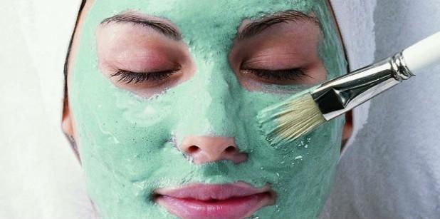 Las máscaras para la cutis problemática fuerte que limpian
