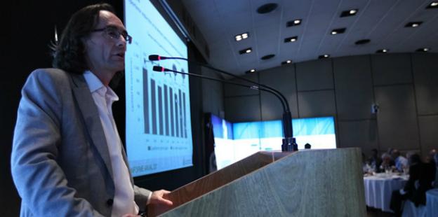 Osvaldo Giordano en la presentación del Informe Anual 2011