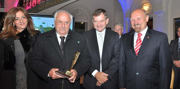 Premio Día de la Industria 2012