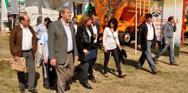 La Vicegobernadora Alicia Pregno visitó exposición en Adelia María