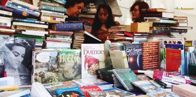 """Primera Feria del Libro """"Abriendo Surcos 2012"""" en San Francisco."""