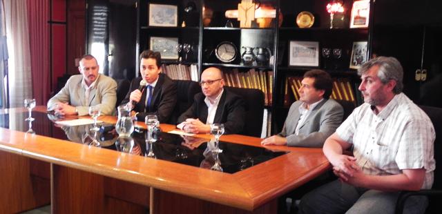 Calvo entregó $400 mil para limpiar canales de Morteros