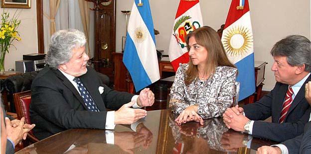 La vicegobernadora de Córdoba, Alicia Pregno, recibió en audiencia protocolar al Embajador de Perú ante la República Argentina, José Luis Pérez Sánchez-Cerro