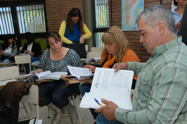 Alfabetización en Lengua Inglesa: entregan certificados del postitulo
