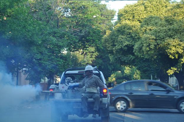 Fumigaciones: esta tarde continúa el operativo en 10 barrios de Córdoba