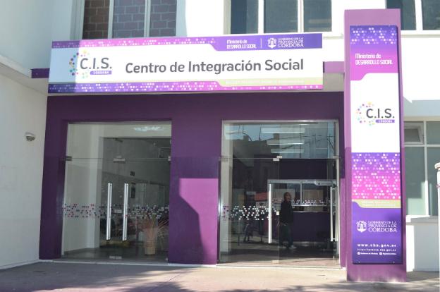 Puestos en marcha en 2012, los Centros de Inserción Social trabajan en la atención primaria.