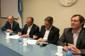 Córdoba y Santa Fé firmaron la creación de la comisión interjurisdiccional de la cuenca del río Carcarañá-20160204-WA0047