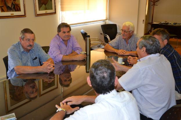 Busso se reunió con el titular de los Consorcios Camineros