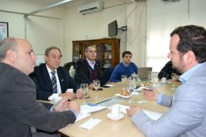 Pablo De Chiara, Víctor Lutri y Tomás Grunhat en reunión con Gustavo Perego