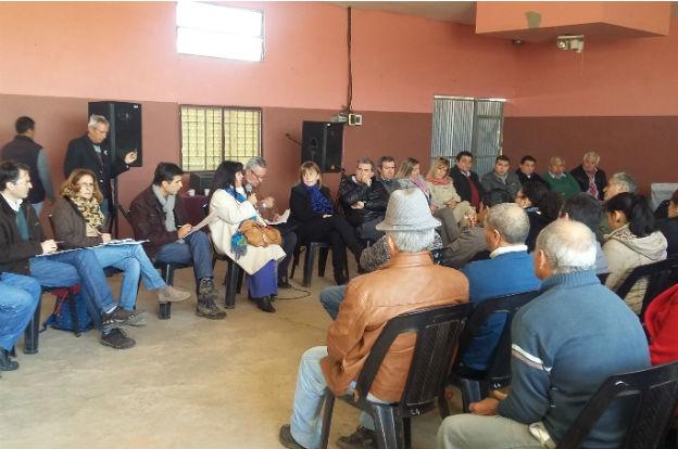 Busso se reunió con productores y autoridades de Minas