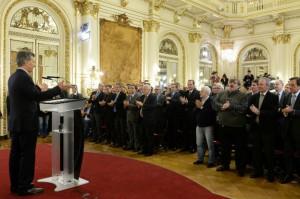 El vicegobernador Llaryora participó de la presentación del presidente Macri sobre la Ley que beneficiará a la industria automotriz y de maquinaria agrícola