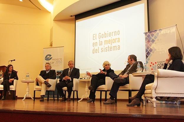 Grahovac disert en el pre foro de calidad educativa en la ucc for Educar en el exterior