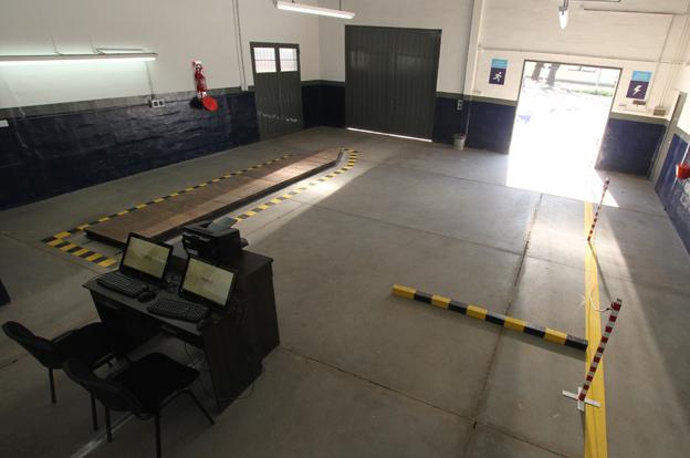 Inauguran en Colonia Caroya la primera Planta de Verificación de Automotores con turnero digital
