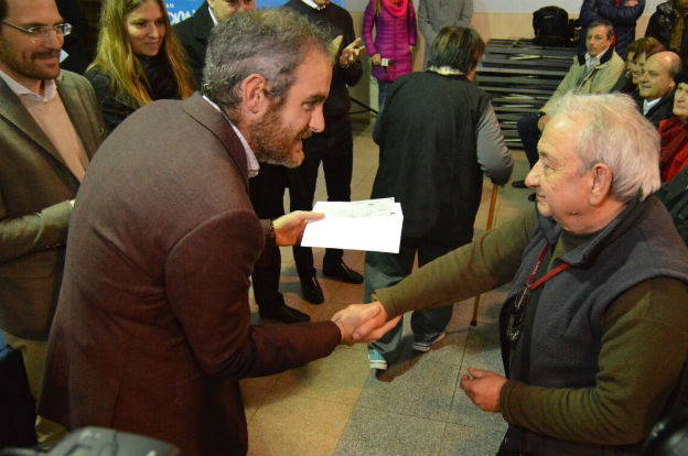 Desarrollo social entregó Vida Digna en Villa María y Villa Nueva