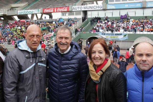 "Schiaretti presentó los Juegos Deportivos ""Por la Flia"""