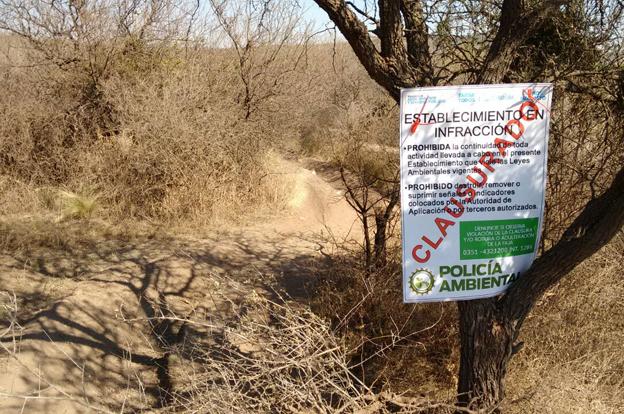 Policía Ambiental clausuró un circuito de motos y cuadriciclos en Capilla del Monte
