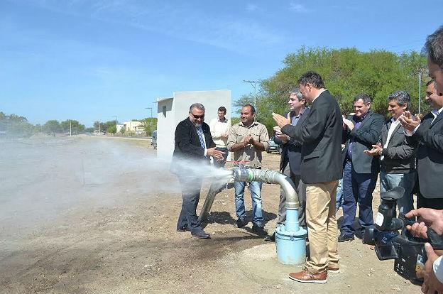Cruz del Eje: avanzan las obras de agua potable y saneamiento