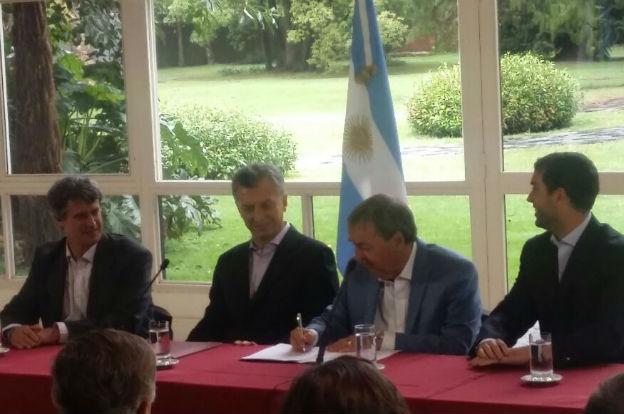 Schiaretti firmó con Macri el acuerdo por la Caja