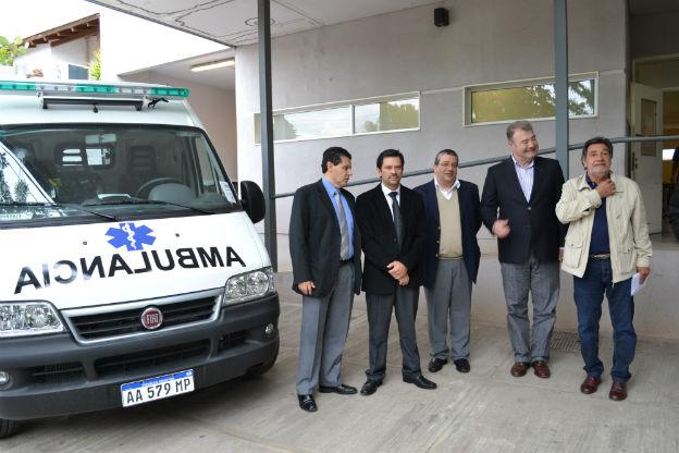Dos nuevas ambulancias para los hospitales provinciales