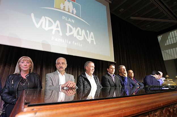 Schiaretti entregó otros 300 préstamos del programa Vida Digna