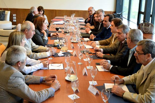 Llaryora presidió la reunión de gabinete en Río Cuarto
