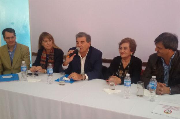 San José de la Dormida: entregan $1 millón a 14 productores apícolas