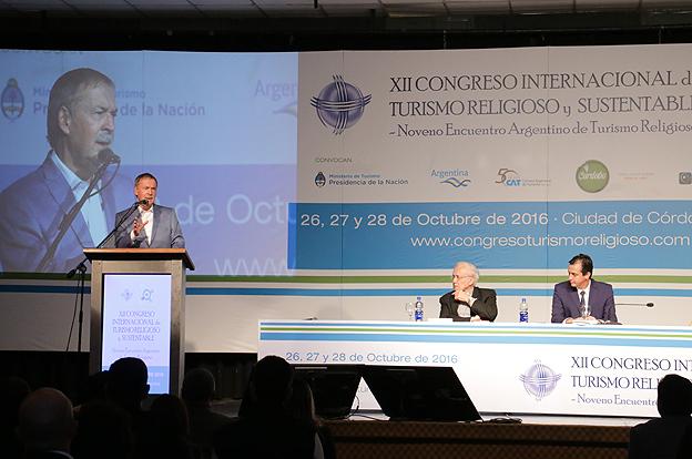 Schiaretti participó de la apertura del Congreso Internacional de Turismo Religioso