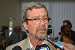 Ministro de Industria, Comercio y Minería, Roberto Avalle.