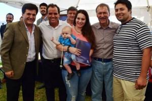 Schiaretti entregó viviendas en Río Cuarto