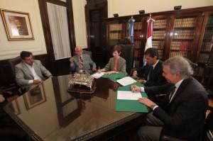 El Gobierno provincial y el Poder Judicial rubricaron un convenio de colaboración recíproca.