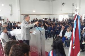 Schiaretti presidió el inicio del ciclo lectivo 2017 en la localidad de Salsacate.