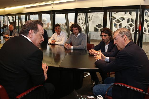 Juan Schiaretti reunión con el Ministro Santos_4405