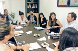 Claudia Martinez en la reunión con autoridades del RENAPRE