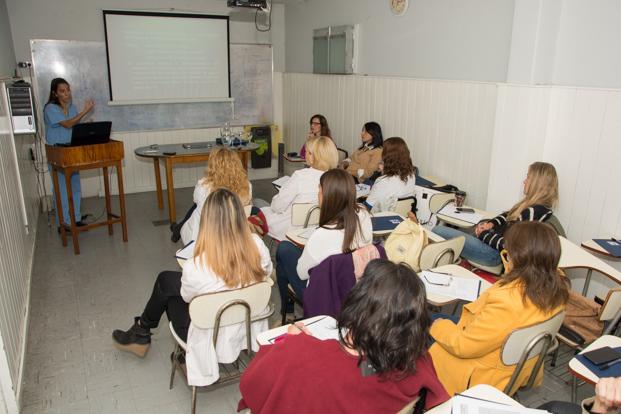 Capacitación de los equipos de atención integral en medicina reproductiva