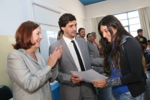 Entrega-de-certificados-Banco-de-la-Gente-9-450x298