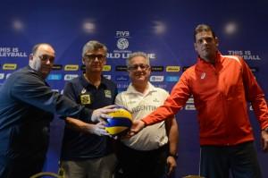 Los cuatro entrenadores de los seleccionados participantes.