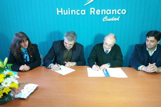 Huinca Renancó: Grahovac recorrió obras y firmó convenios para la construcción de aulas
