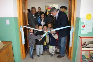 En Los Cedros, el ministro inauguró una sala en el jardín de infantes Baron.