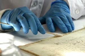 Cada folio es objeto de un municioso cuidado