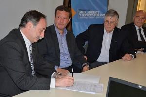 ambiente firma convenio con universidades 1