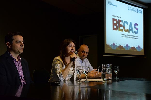 Silvina Rivero presentó el Programa de Becas para los Agentes Públicos