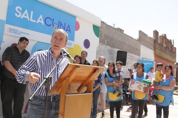 Schiaretti inauguró una nueva sala cuna en barrio General Savio