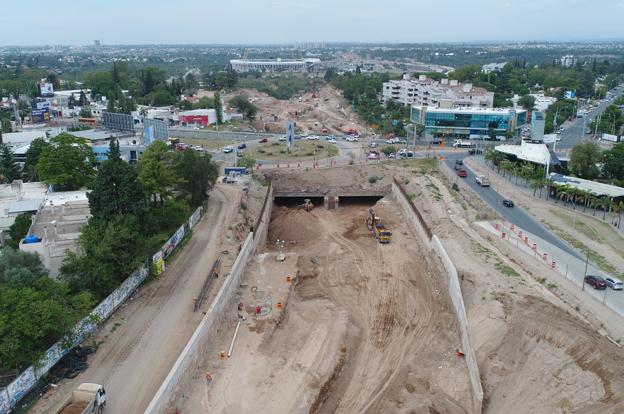 Caminos de las Sierras informa acerca de los trabajos de apertura que se  realizan en el túnel ubicado debajo del Nudo Vial Mujer Urbana. 8164d7ffe41