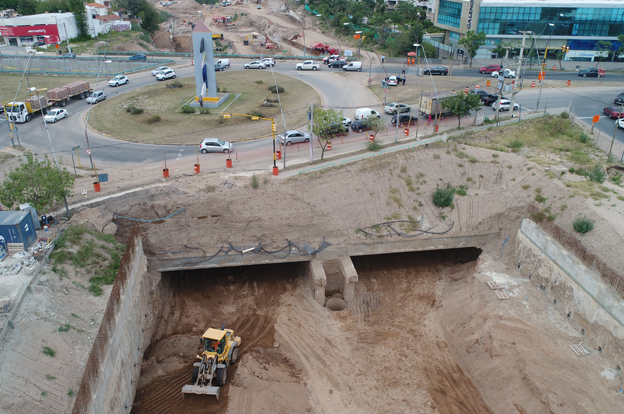 Túnel ubicado en el Nudo Vial de la Mujer Urbana af54f5295bb