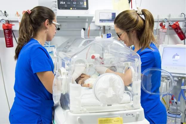 Una red de cuidados para los bebés prematuros
